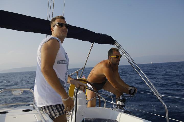 Jedrenje u Grčkoj - vredna posada