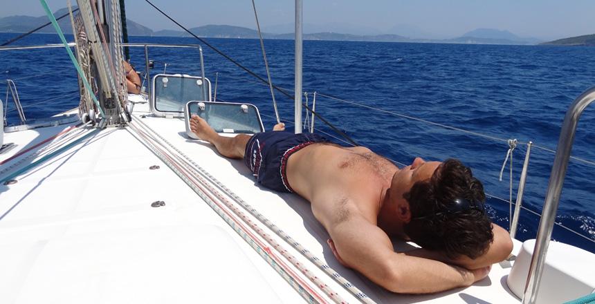 Odmor na jedrilici grcka