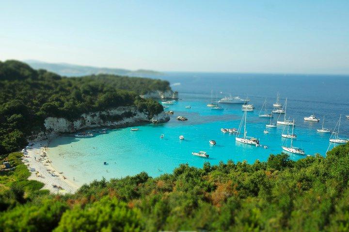 Grčka ostrva Paksos i Antipaksos – nestvarno plavetnilo mora i neba